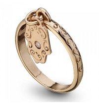 Gold Hamsa Ring with Diamond